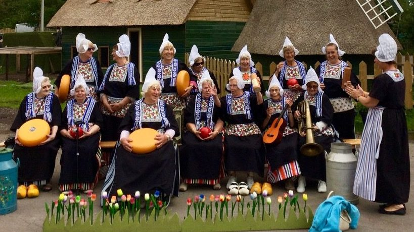 Experience Waterland Volendam costume