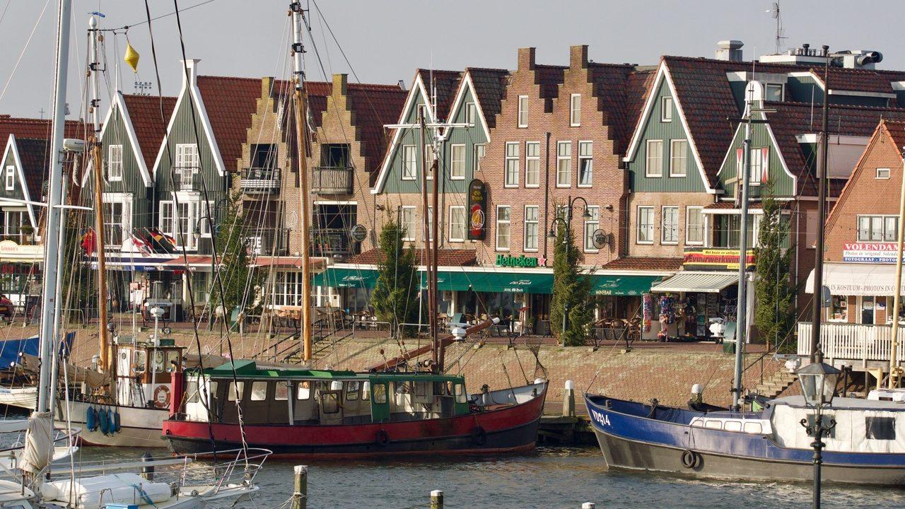 Experience Waterland Volendam dike